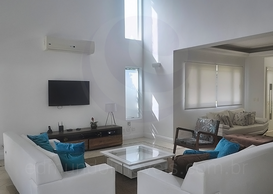 Casa 773 – Living Room com TV