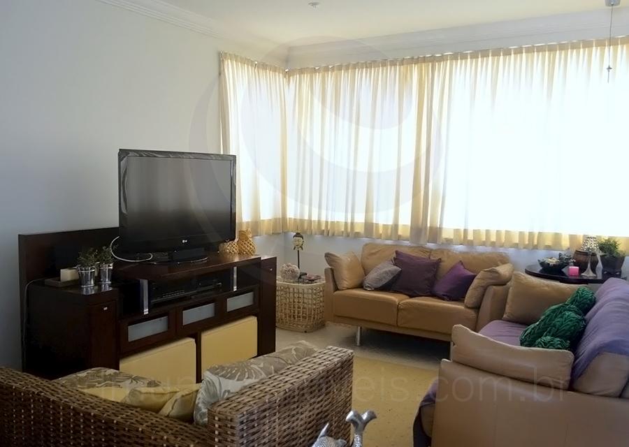 Casa 742 – Living com TV