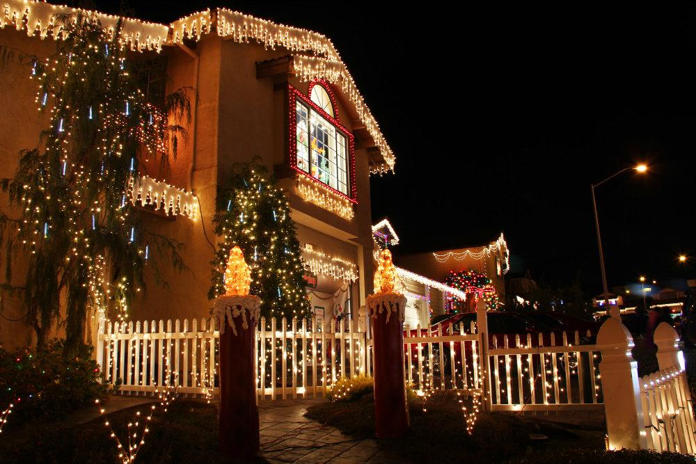 Veja 6 dicas luxuosas de decoração natalina para casas